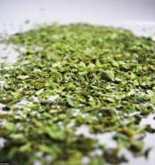 Never use the following dried herbs; basil, chives, or parsley as they have no flavor.